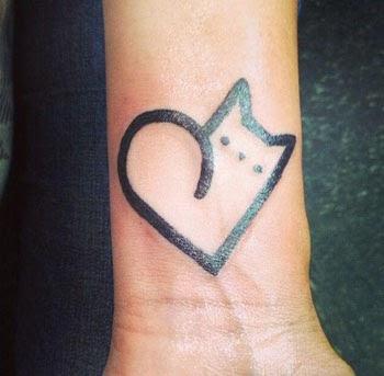 Melhores tatuagens de coração no pulso