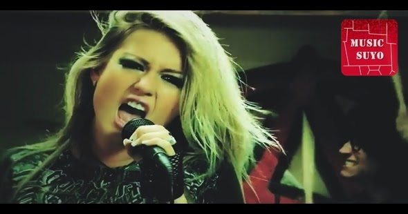 Videoclip de Leslie Shaw – Estupida Chica Pop HD