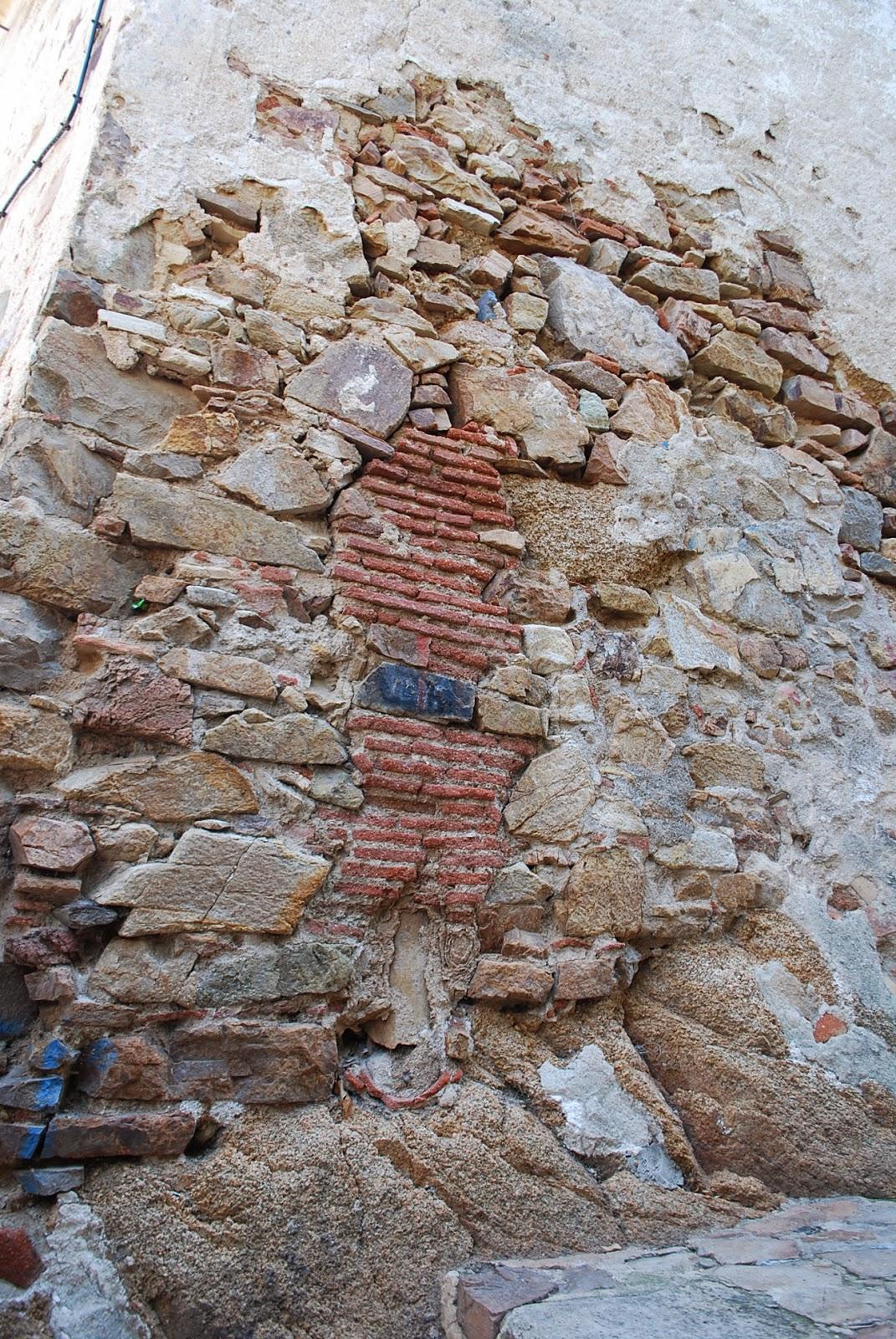 Искусство зодчества:) Бланес, Коста Брава, Каталония, Испания.