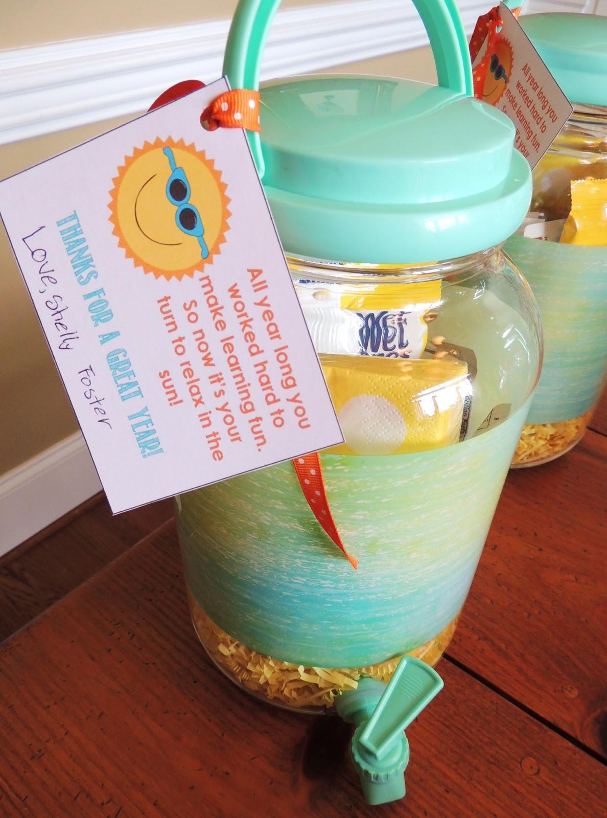 Classroom Gift Ideas ~ K the family historian teacher gifts class gift