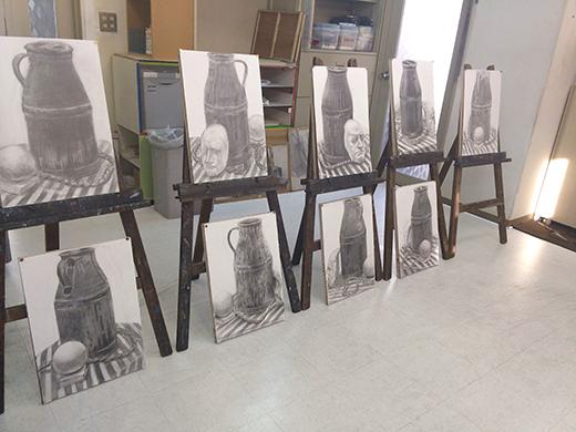 横浜美術学院の中学生教室 美術クラブ のびのび描こう!鉛筆で描く「静物デッサン」8