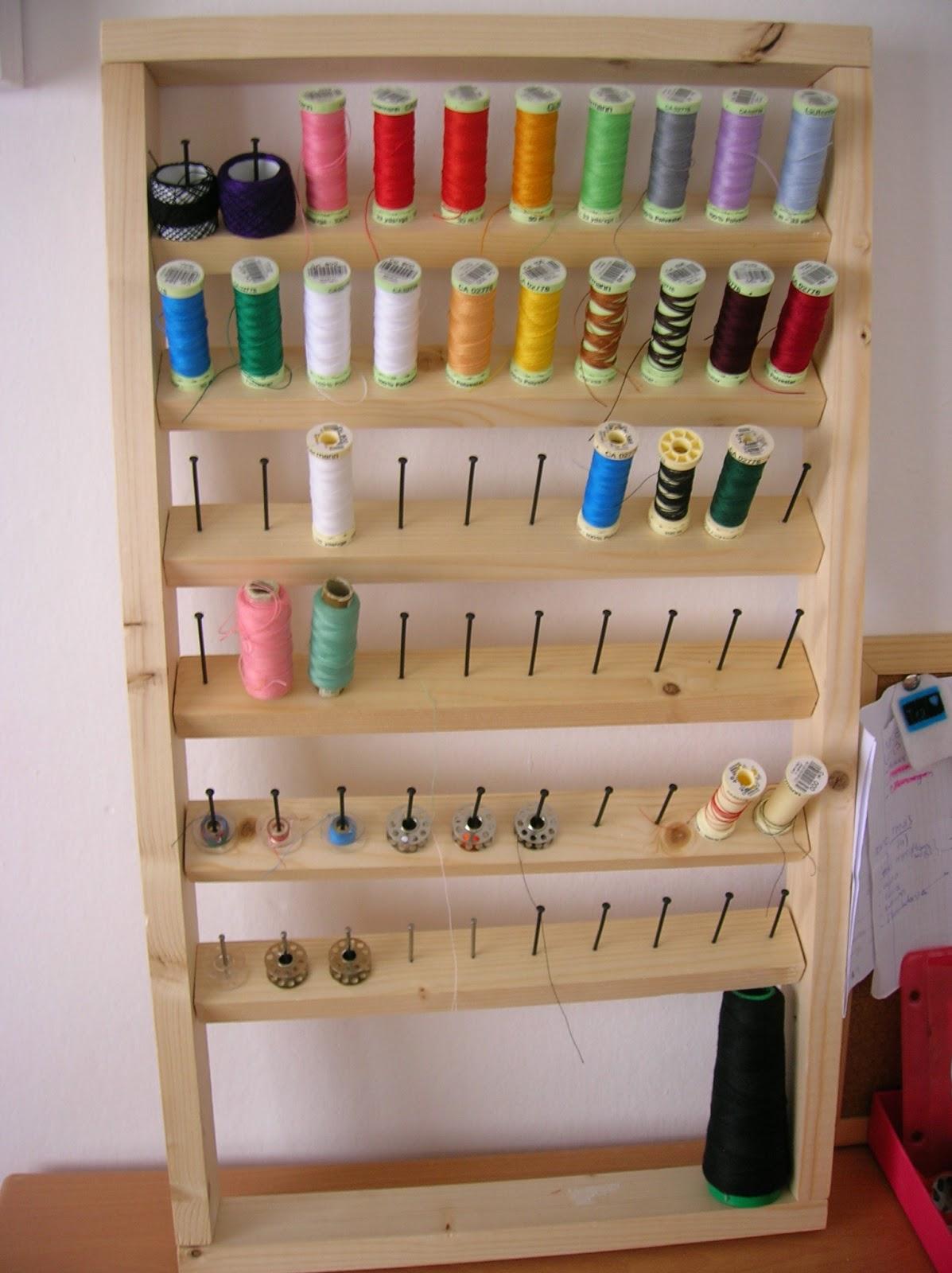 Cosir i fer ampolles diy organizador de hilos for Manualidades de muebles
