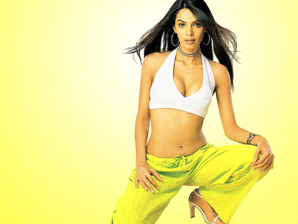 free wallpapers: mallika sherawat wallpapers