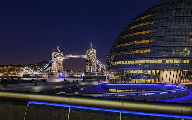 Imagenes de City Hall en la Ciudad de Londres en la Noche
