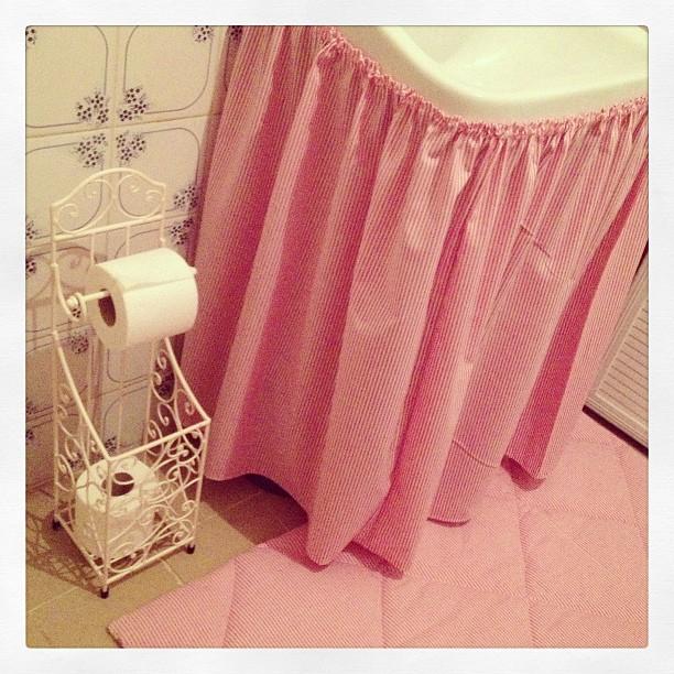 Craft and Decorate Blog - tuvalet kağıdı askısı, banyo