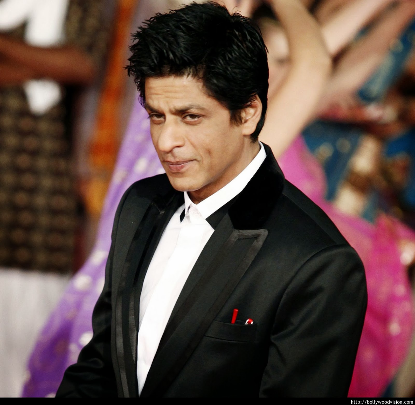 shahrukh khan shahrukh khan physical stats more height weight eye colour. Black Bedroom Furniture Sets. Home Design Ideas