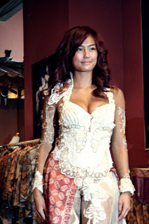 kebaya selebritis indonesia Agnes-Monica