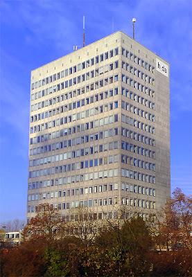 Фасад башня С10 университета в Дармштате