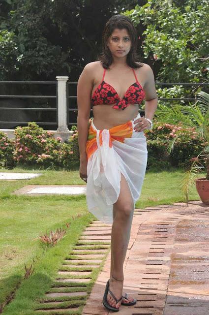 Nadeesha Hemamali Hot Photos