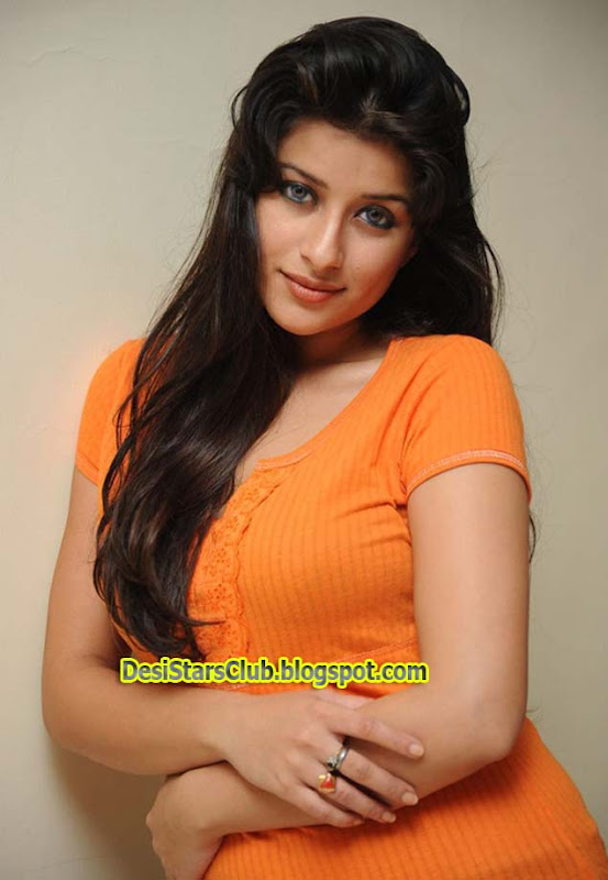 Madhurima in T-Shirt and Jeans Photoshoot