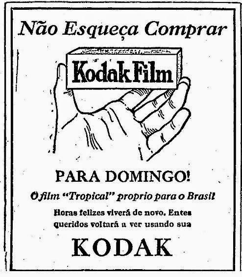 """""""Entes queridos voltará a ver usando sua Kodak"""", dizia o anúncio de filmes fotográficos em 1929."""