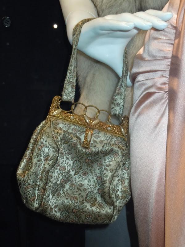 Mummy 3 handbag prop