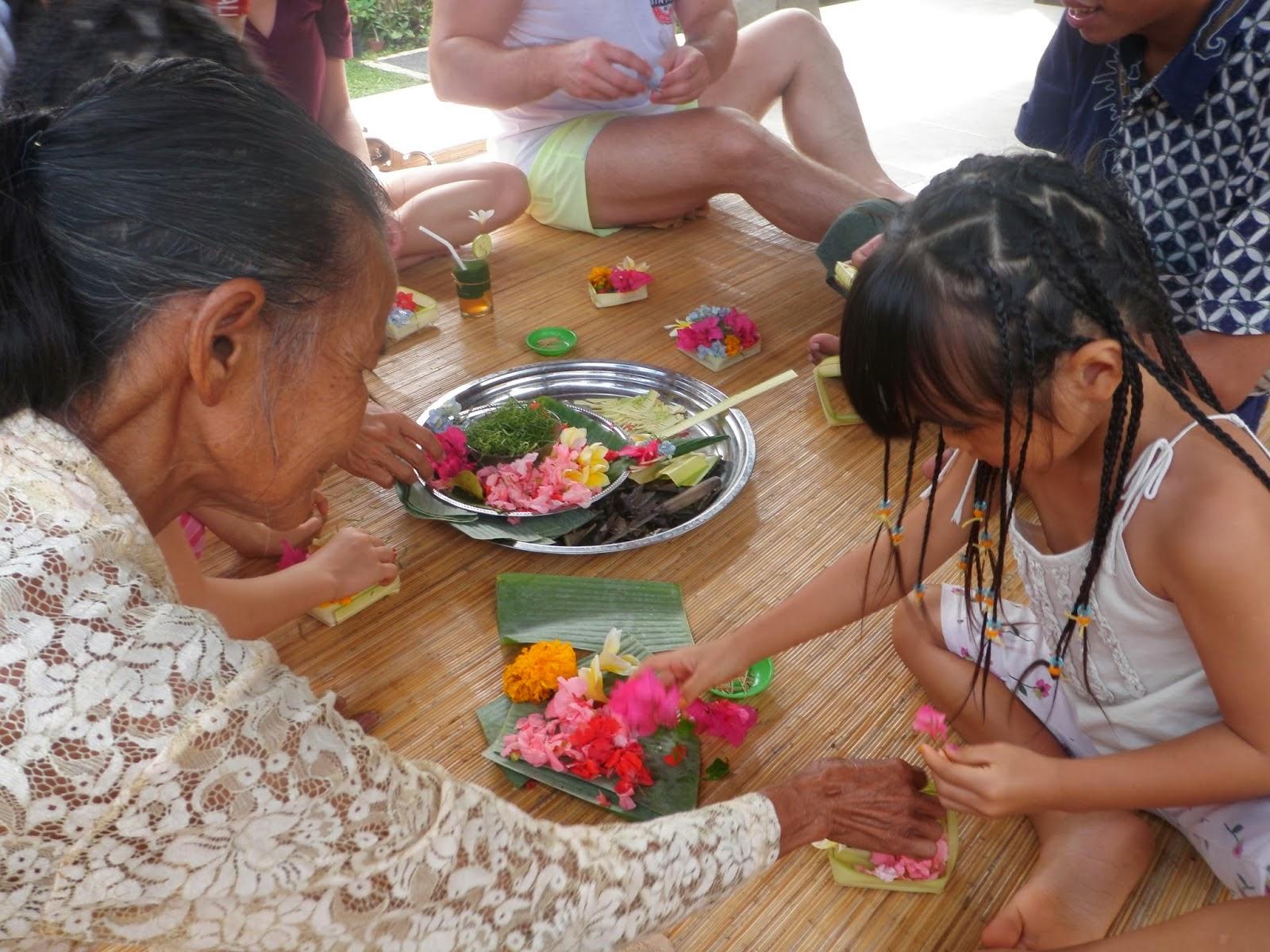 Bali Beach: Canang Sari A Religious Balinese Offering