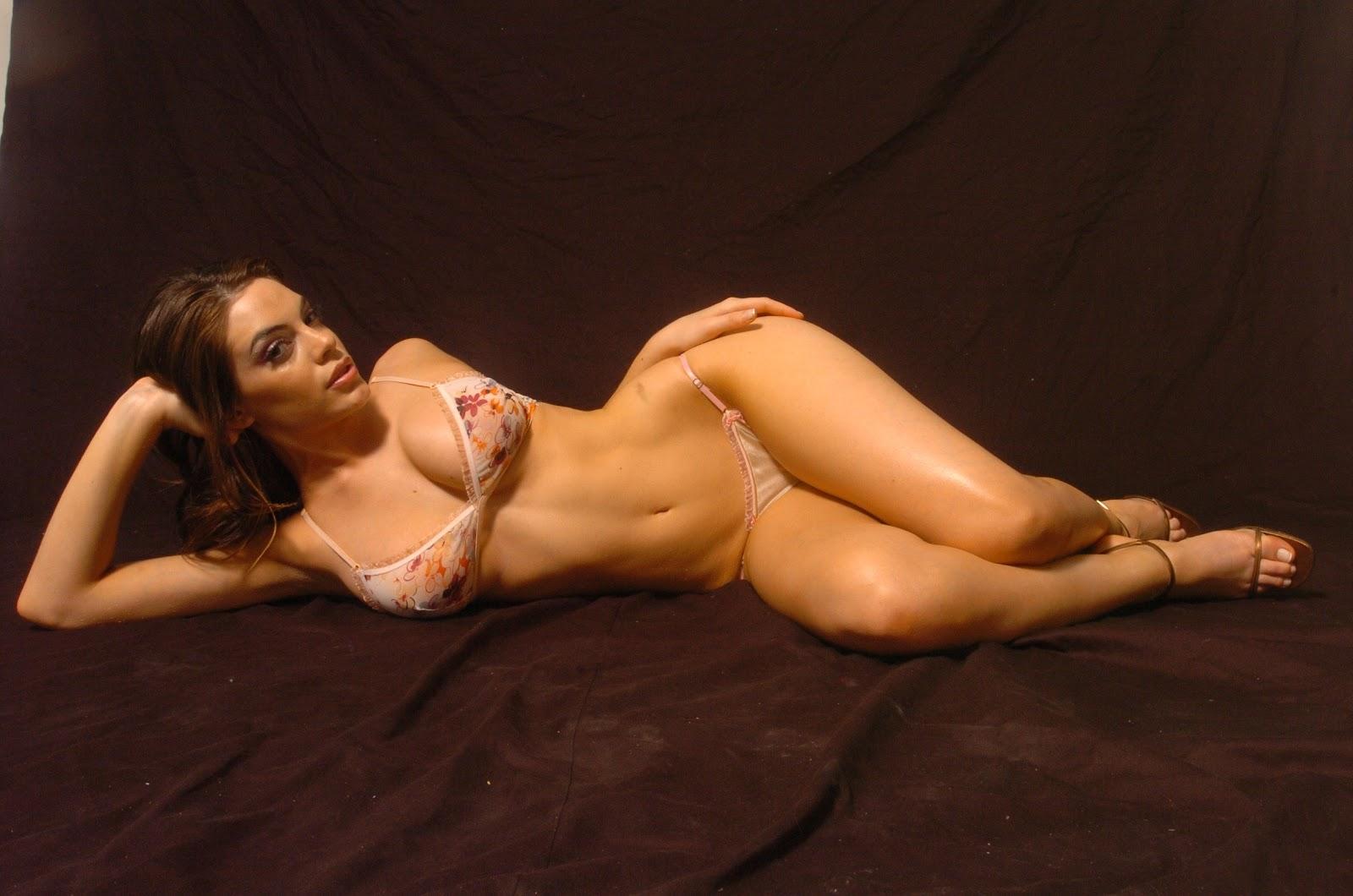 Emilia Attias Hot Nude 21