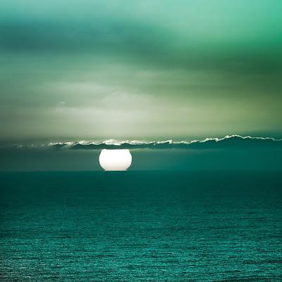 Green Sea Sunset iPad Wallpaper