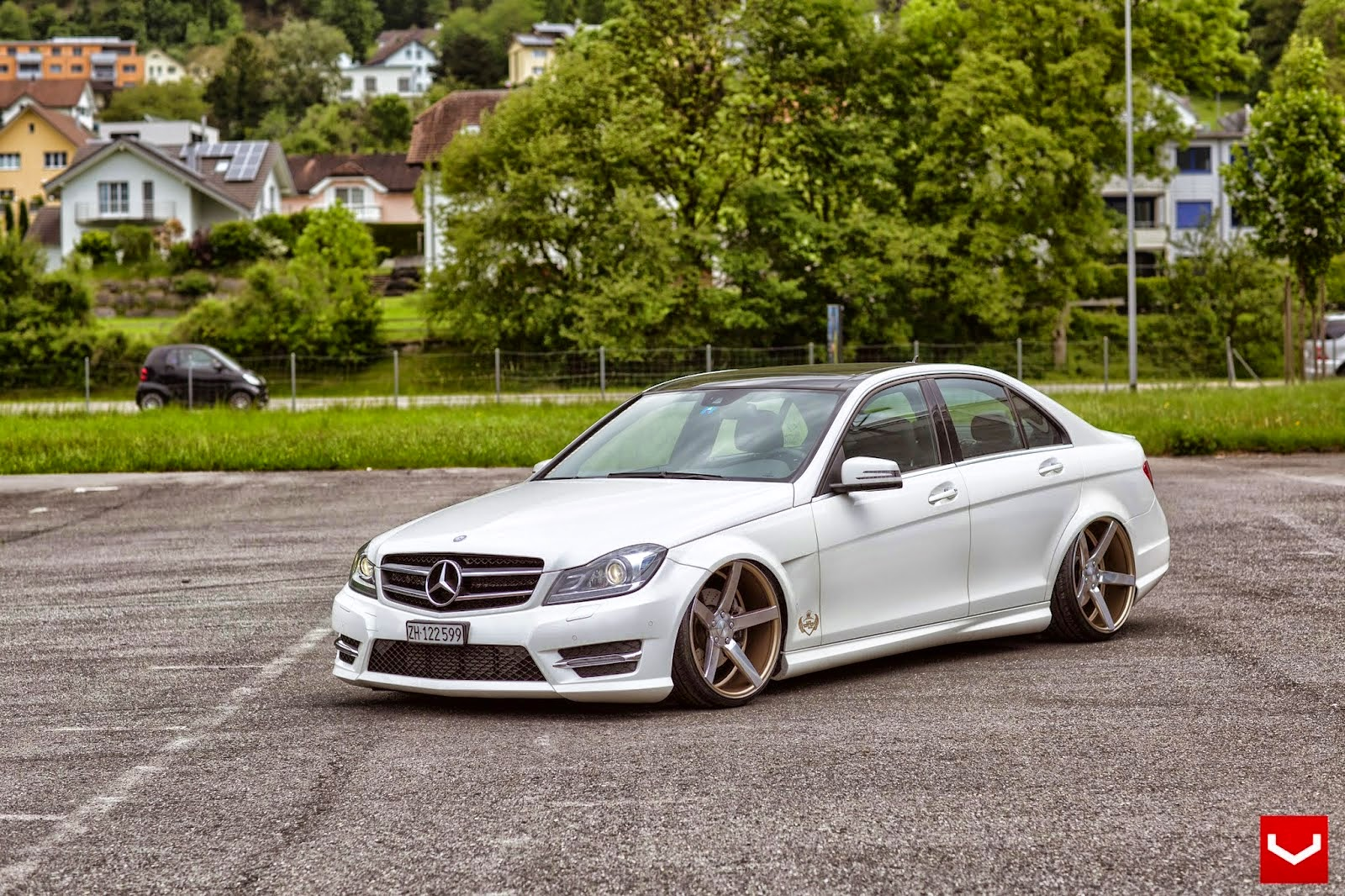 Mercedes Benz W204 C Class Stance Style Benztuning