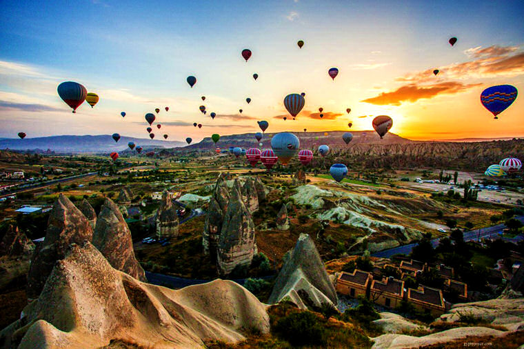 http://ziondejano.blogspot.com/2014/10/hot-air-balloon-ride-in-cappadocia.html
