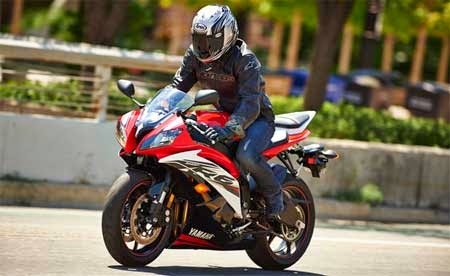 Video Yamaha R6 2015