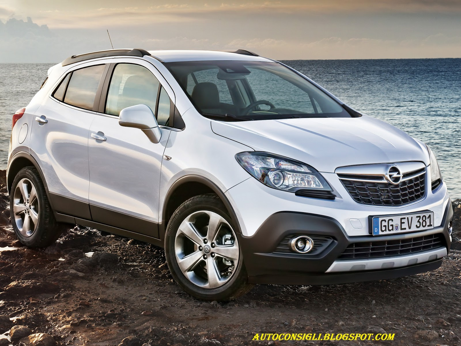 car al top 33 opel mokka il 1 4 litri turbo disponibile anche con la trazione anteriore. Black Bedroom Furniture Sets. Home Design Ideas