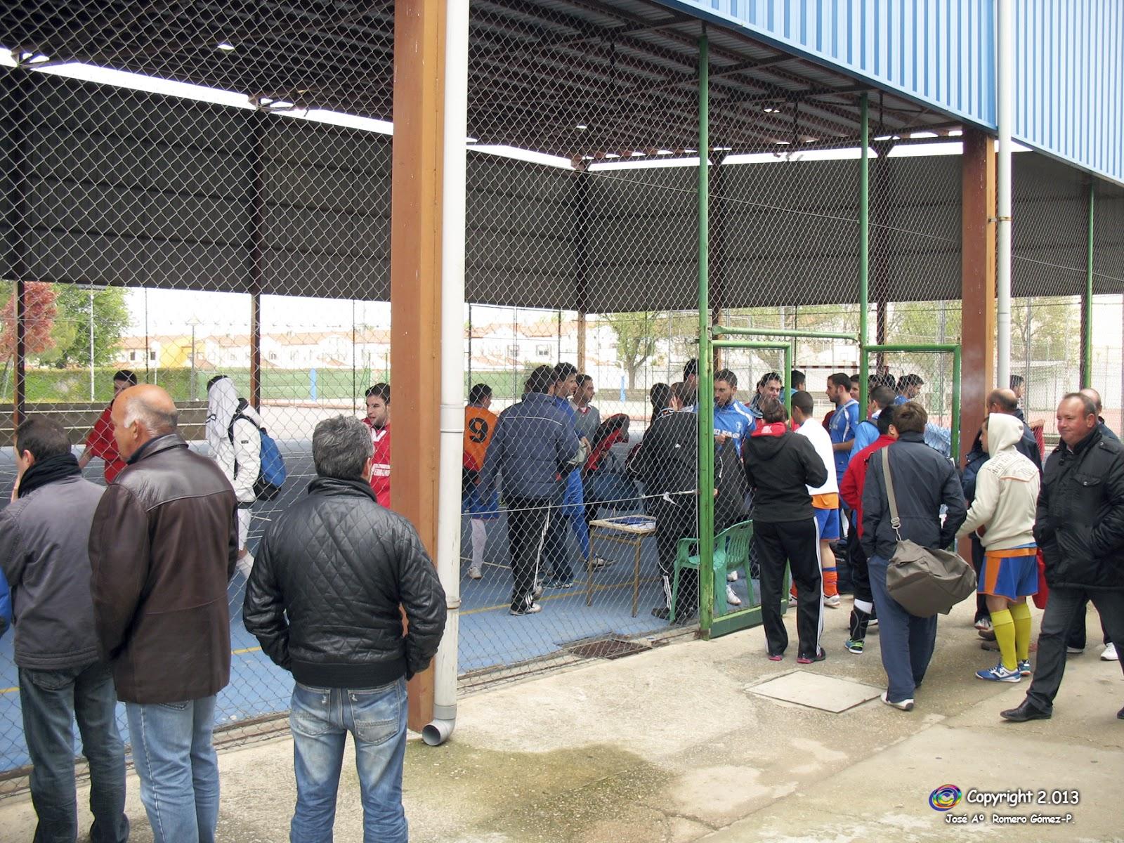 Manzanares en im genes buen ambiente en el trofeo de - Polideportivo manzanares el real ...