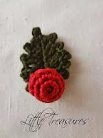 http://thelittletreasures.blogspot.com/2013/12/crochet-mistletoe-free-pattern.html