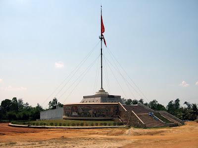 Flag on the bridge over the Ben Hai river