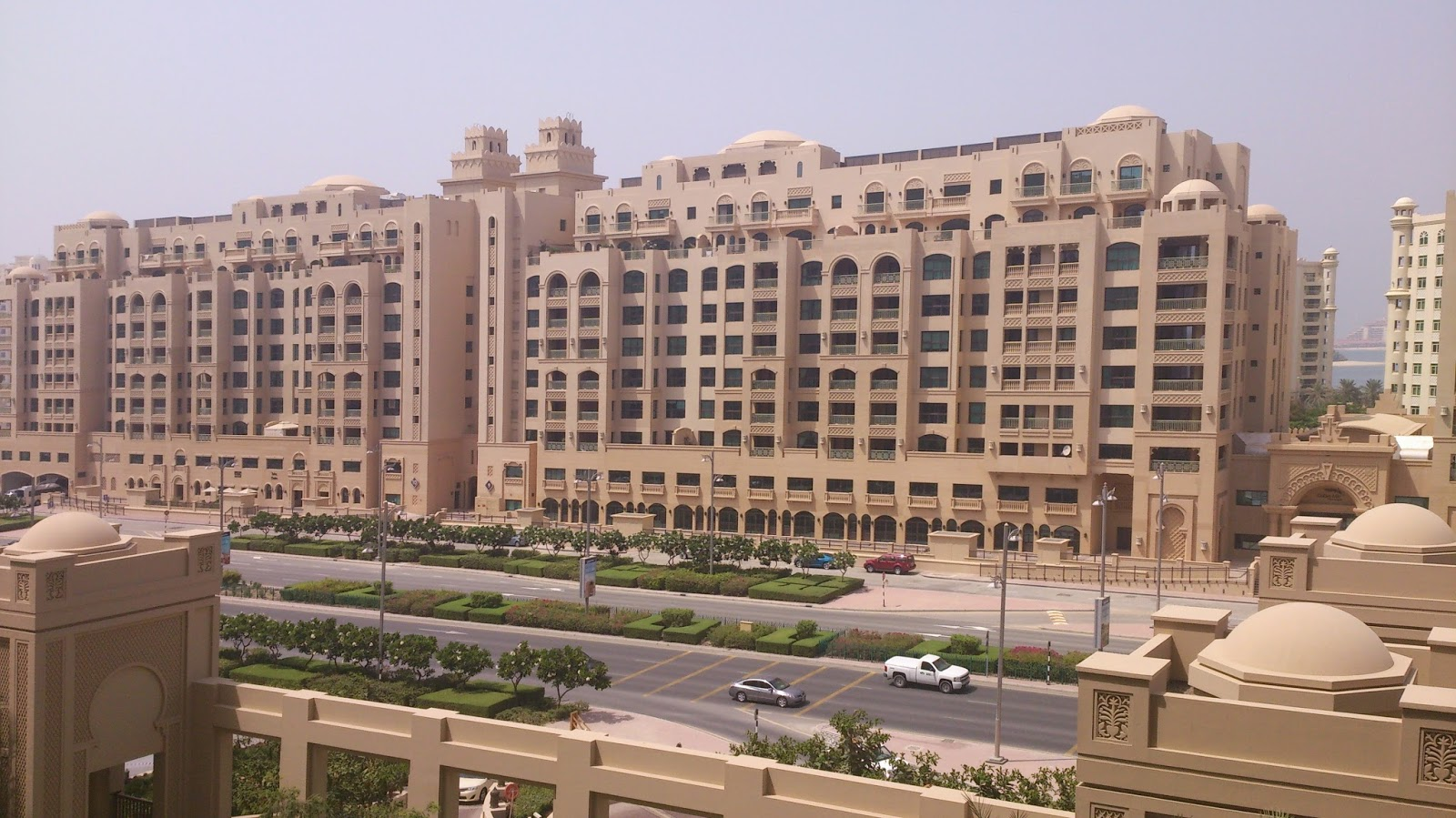 Tolu in wonderland fairmont the palm dubai palm jumeirah for Hotel dubai palm