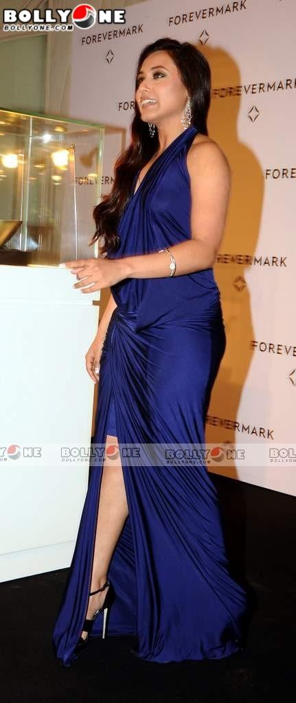 Bollywood Actress Photobook: Rani Mukherjee Hot Thigh