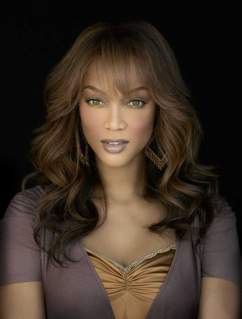 Hollywood Trendy: Tyra Banks Hairstyles 2012