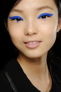 make up artist Pat Mc Grath blue eyeshade for Anna Sui