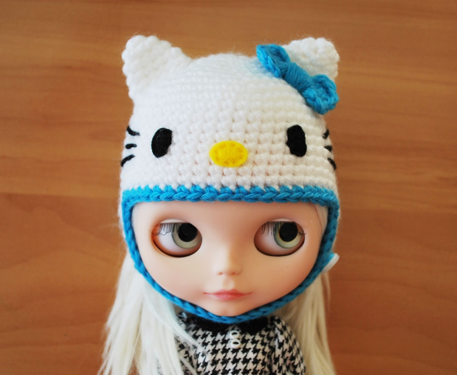 Sheree Forcier Blog: New Crochet Hello Kitty Hats!