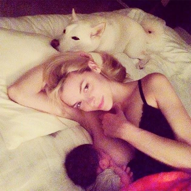 Jaime King Breastfeeding