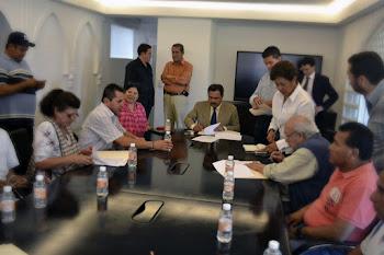 COMERCIANTES DEL MERCADO ADOLFO LÓPEZ MATEOS  Y EL H. AYUNTAMIENTO DE CUERNAVACA FIRMAN ACUERDOS