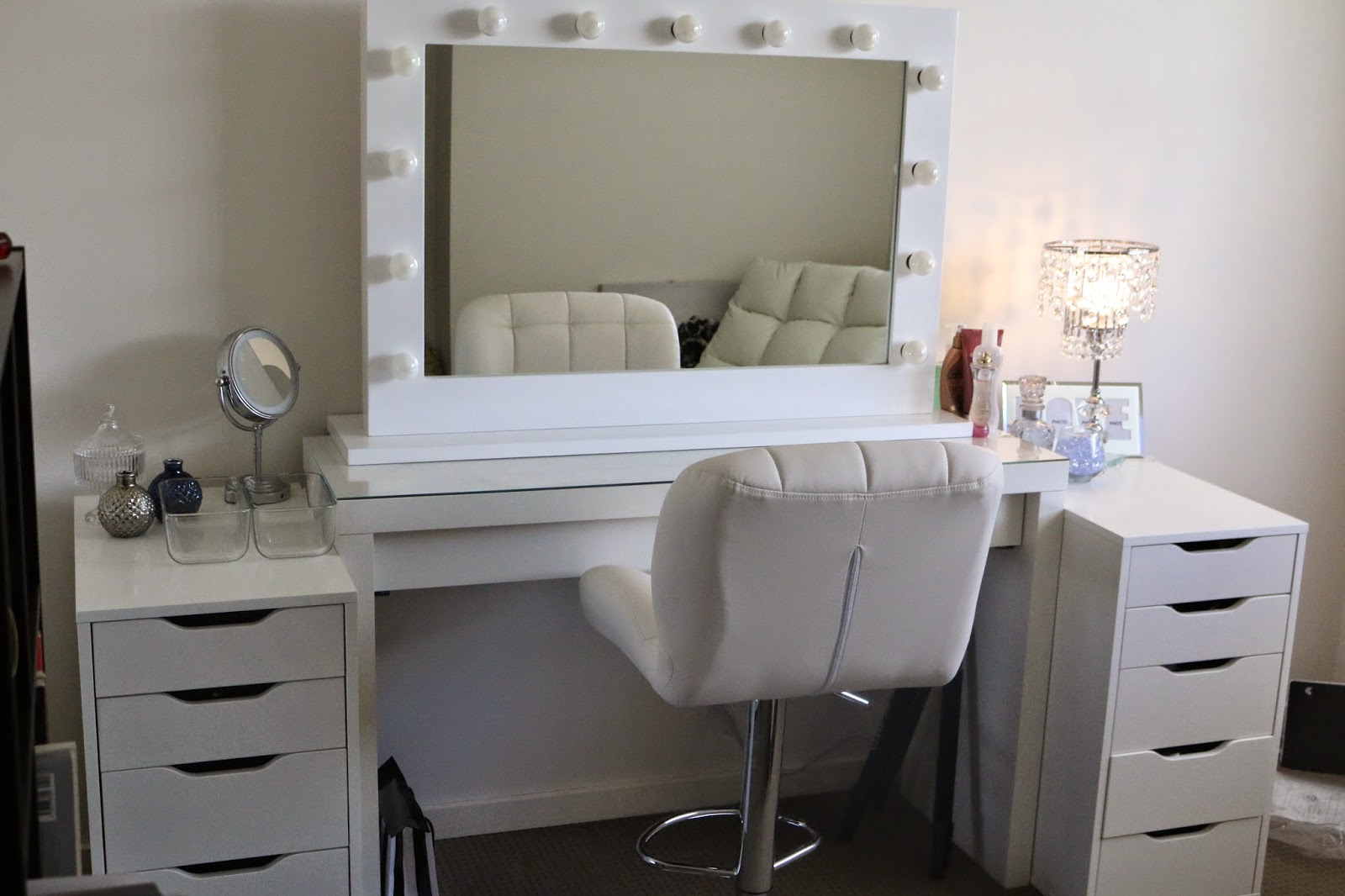 Ikea vanity table with lights for White makeup desk with mirror