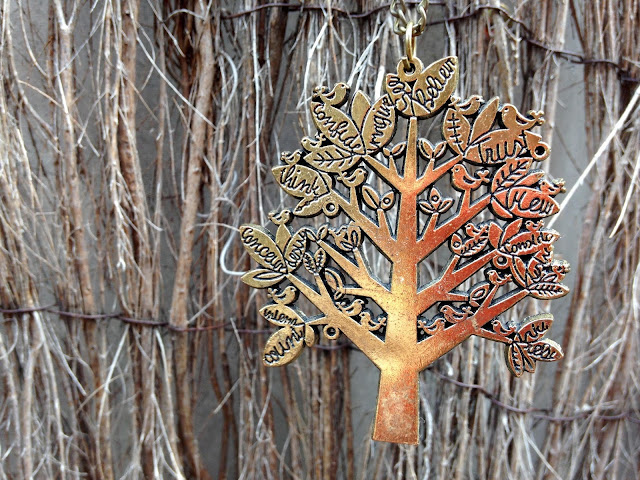 accessory tree of life necklace opshop