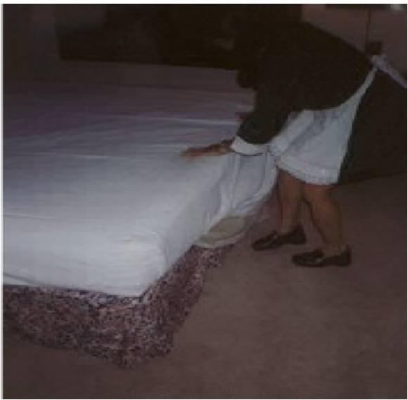 Hoteleria arreglo de la cama de una habitacion de un hotel for Cama que se dobla