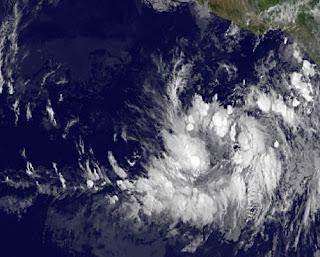 Tropisches Tief 2-E im Pazifik erreicht Mexiko voraussichtlich als Hurrikan BUD, Bud, aktuell, Vorhersage Forecast Prognose, Satellitenbild Satellitenbilder, Mai, 2012, Hurrikansaison 2012, Nordost-Pazifik, Pazifische Hurrikansaison, Mexiko, Jalisco, Colima, Michoacán, Guerrero,
