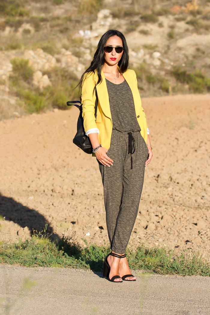 Blogger de Valencia con total look de Zara