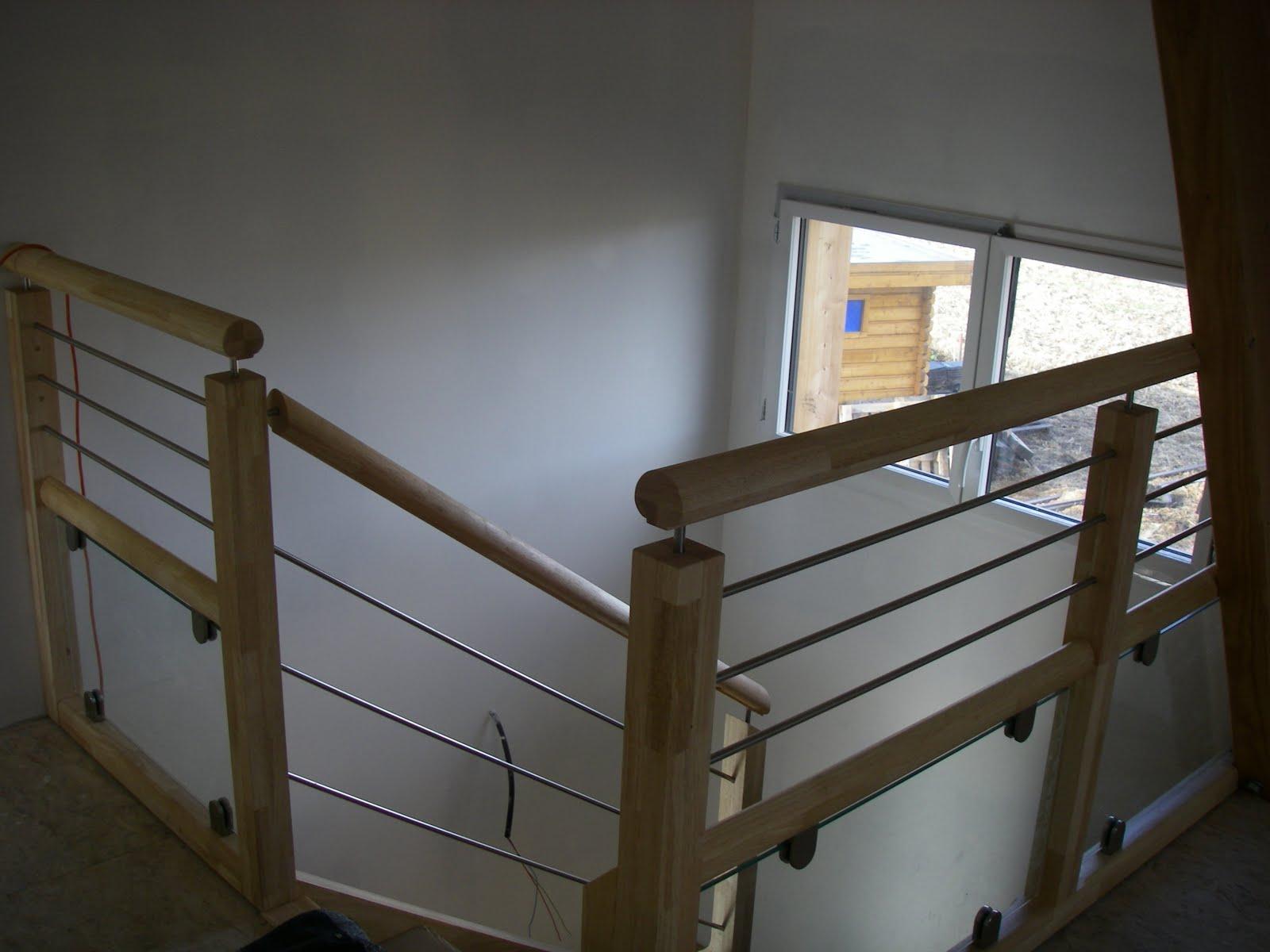 Notre maison ossature bois labelis e bbc dans les pyr n es for Fenetre escalier