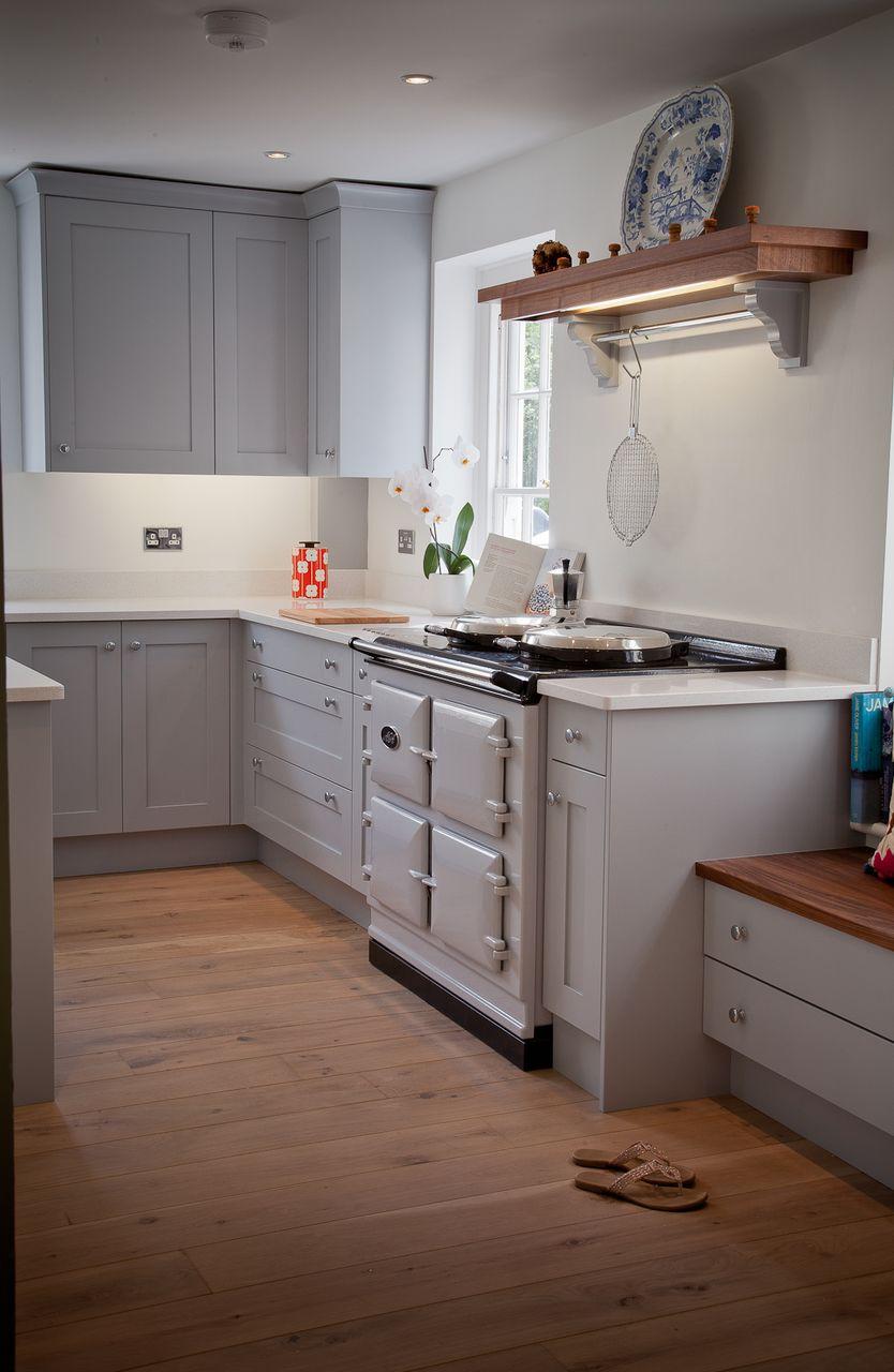 Planet furniture why we love an aga for Aga kitchen designs