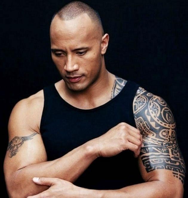 Dwayne johnson (The rock) Tatuagens do ator de filmes , tattoos Dwayne ...