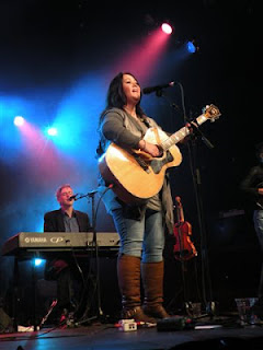 Jann Arden at Mariposa Folk Festival. Photograph by Brian Quinn, Travel Photographer.