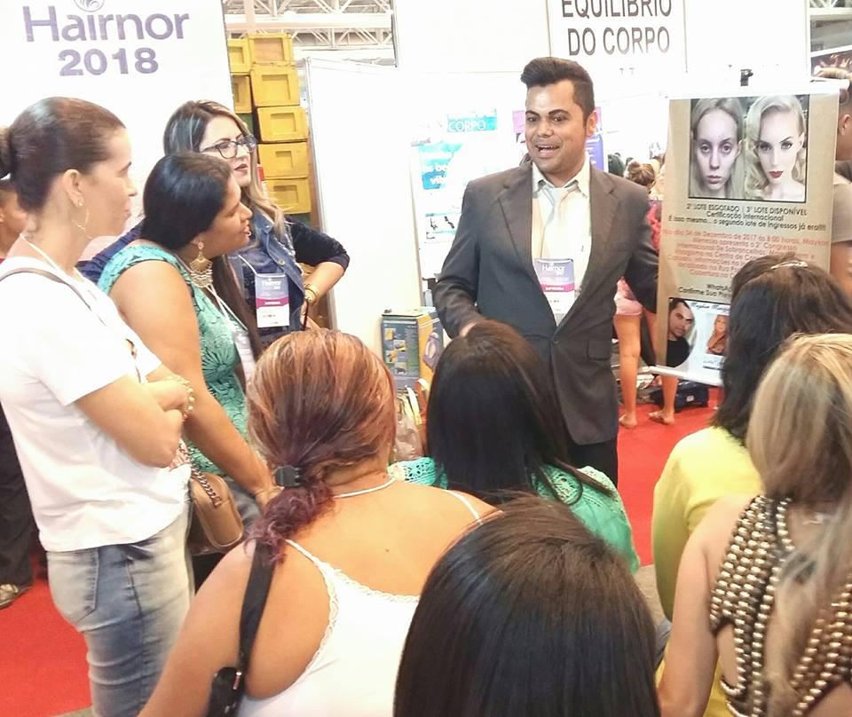Visagista Maykon Menezes obteve grande sucesso ao ministrar o curso mais aguardado na #Hairnor2017