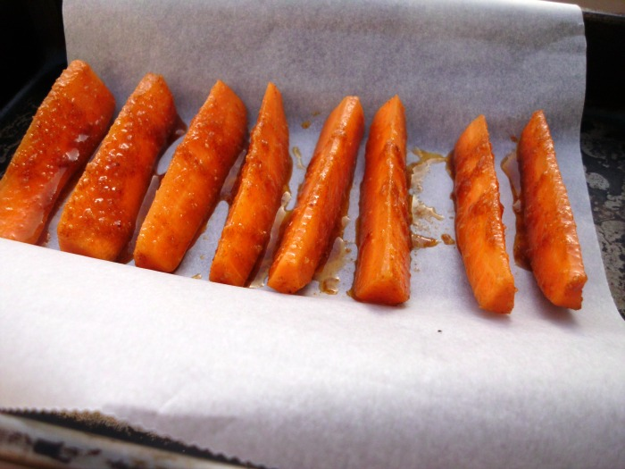 Sweet & Spicy Chunky Baked Carrot Fries |