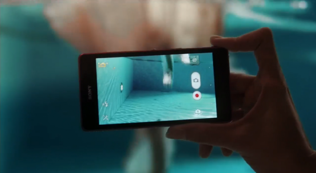 Xperia ZR Under Water Shoot