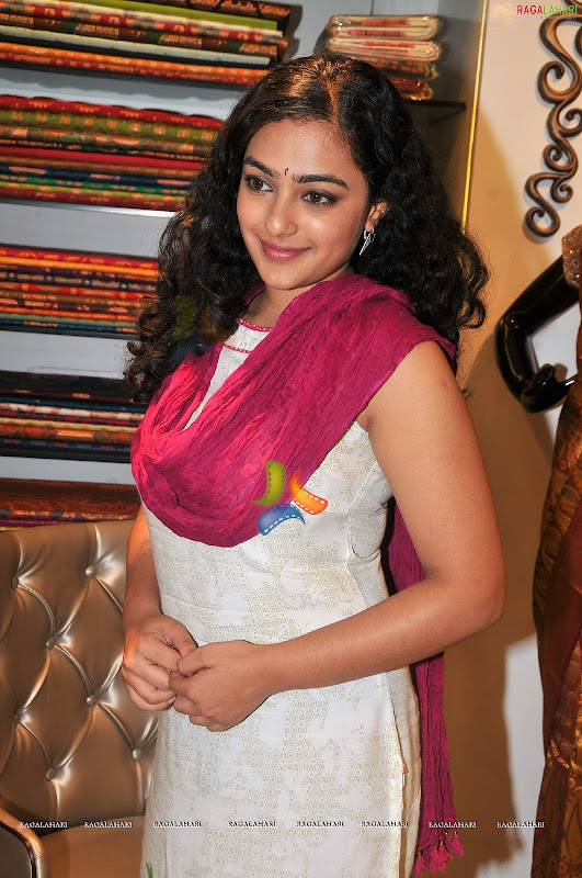 Nithya Menonsexy photoshoothot south Indian actress in cute exposuresHQ gallery gallery pictures