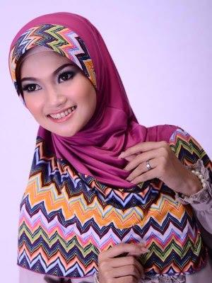 motif jilbab yang selalu jadi trend.2 Model Jilbab yang Selalu Jadi Trend