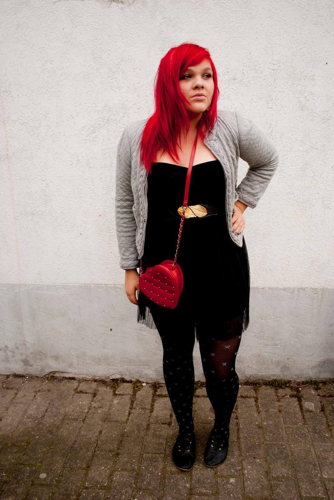 Black dress with red bag - Black Dress With Red Bag 6