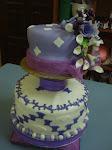 2 tiers wedding cakes