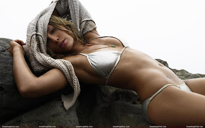 jessica_biel_hot_wallpaper_01_sweetangelonly.com